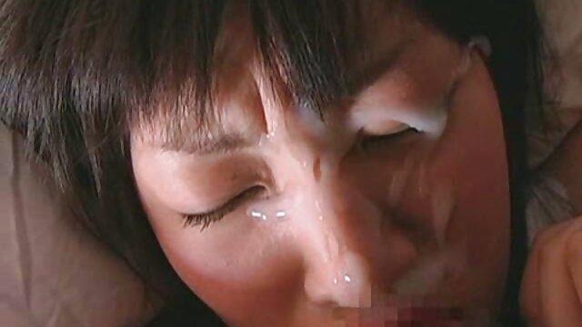 Shoplyfter - Une jeune fille baise un flic pour sauver maman film porno gratuit vierge